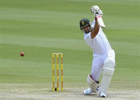 South Africa's Jacques Kallis plays a shot during the final day of their cricket test match against India in Johannesburg, December 22, 2013. REUTERS/Ihsaan Haffejee