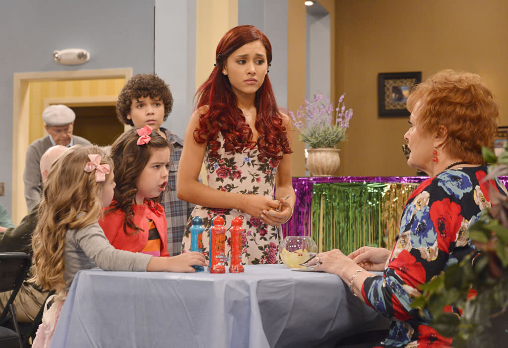 "Ruby (Rosie McClelland), & Gwen (Sophia Grace Brownlee), & Dice (Cameron Ocasio), & Cat Valentine (Ariana Grande), and Nona (Maree Cheatham) in the ""Sam & Cat"" episode, ""#TheBritBrats."""