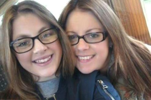 Leah Heyes, who died aged 15, with her mum Kerry. (SWNS)