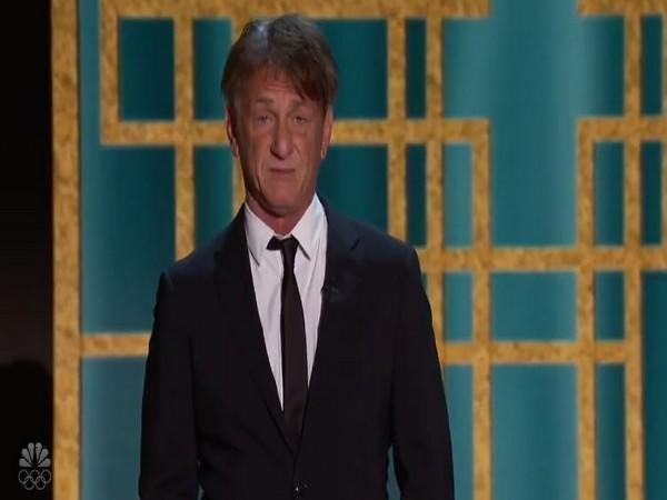 Sean Penn at the Golden Globes 2021 (Image courtesy: Twitter)