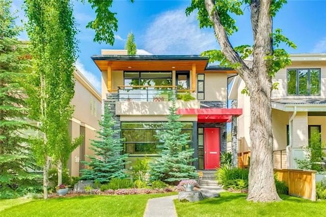"<p><a href=""https://www.zoocasa.com/altadore-calgary-ab-real-estate/5383679-4619-16a-st-sw-altadore-calgary-ab-t2t4l8-c4190874"" rel=""nofollow noopener"" target=""_blank"" data-ylk=""slk:14618 16 Street Southwest, Calgary, Alta."" class=""link rapid-noclick-resp"">14618 16 Street Southwest, Calgary, Alta.</a><br> Location: Calgary, Alberta<br> List Price: $999,000<br> (Photo: Zoocasa) </p>"