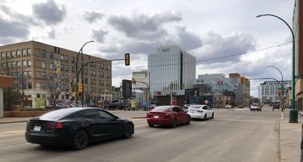 A commercial real estate expert with Colliers International says about half of the workers in Saskatchewan's two largest cities have returned to offices. (Submitted by Jason Cruikshank - image credit)