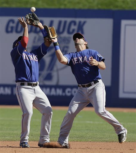 Moreland homers for Rangers in win over Cubs
