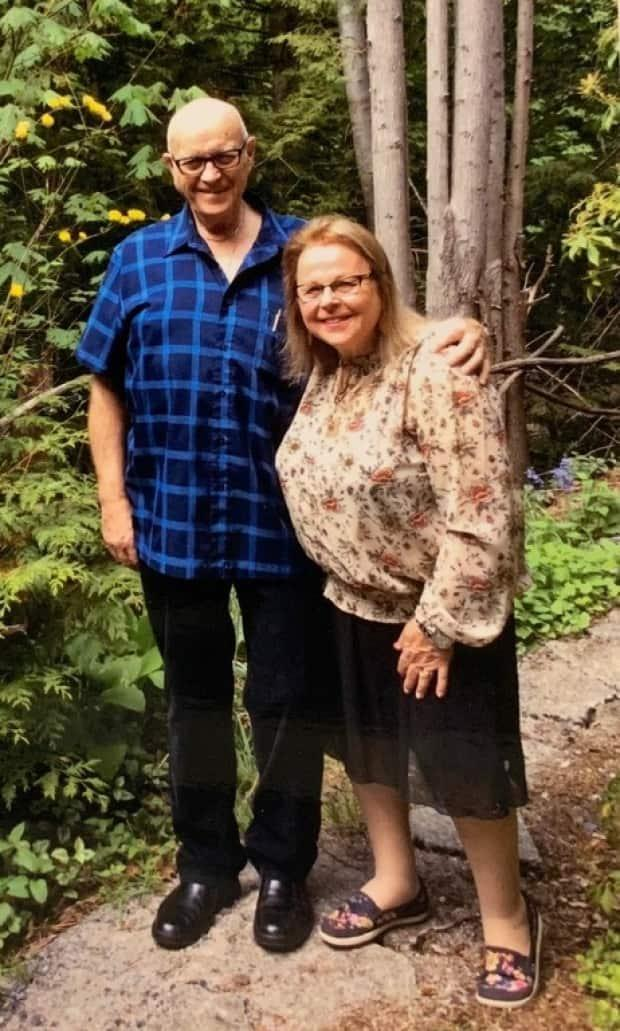 Merrill and Gail Ross had lived in Squamish for more than 50 years.  (Squamish Funeral Parlour and Crematorium - image credit)