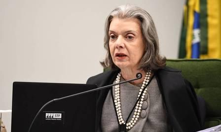 x83993072_Brazilian-Supreme-Court-Judge-Carmen-Lucia-speaks-during-a-hearing-on-Turkeys-extradit.jpg.pagespeed.ic.LJbERmYKwc.jpg
