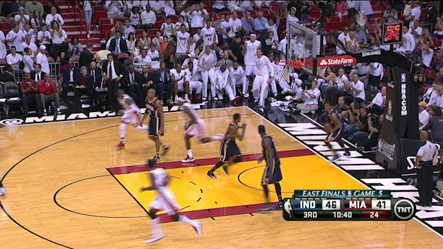 LeBron James outscores Pacers by himself in 3rd quarter of Heat's Game 5 win (Video)
