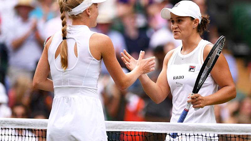 Ashleigh Barty embraces Harriet Dart of Great Britain following Ladies' Singles third round match. (Photo by Matthias Hangst/Getty Images)