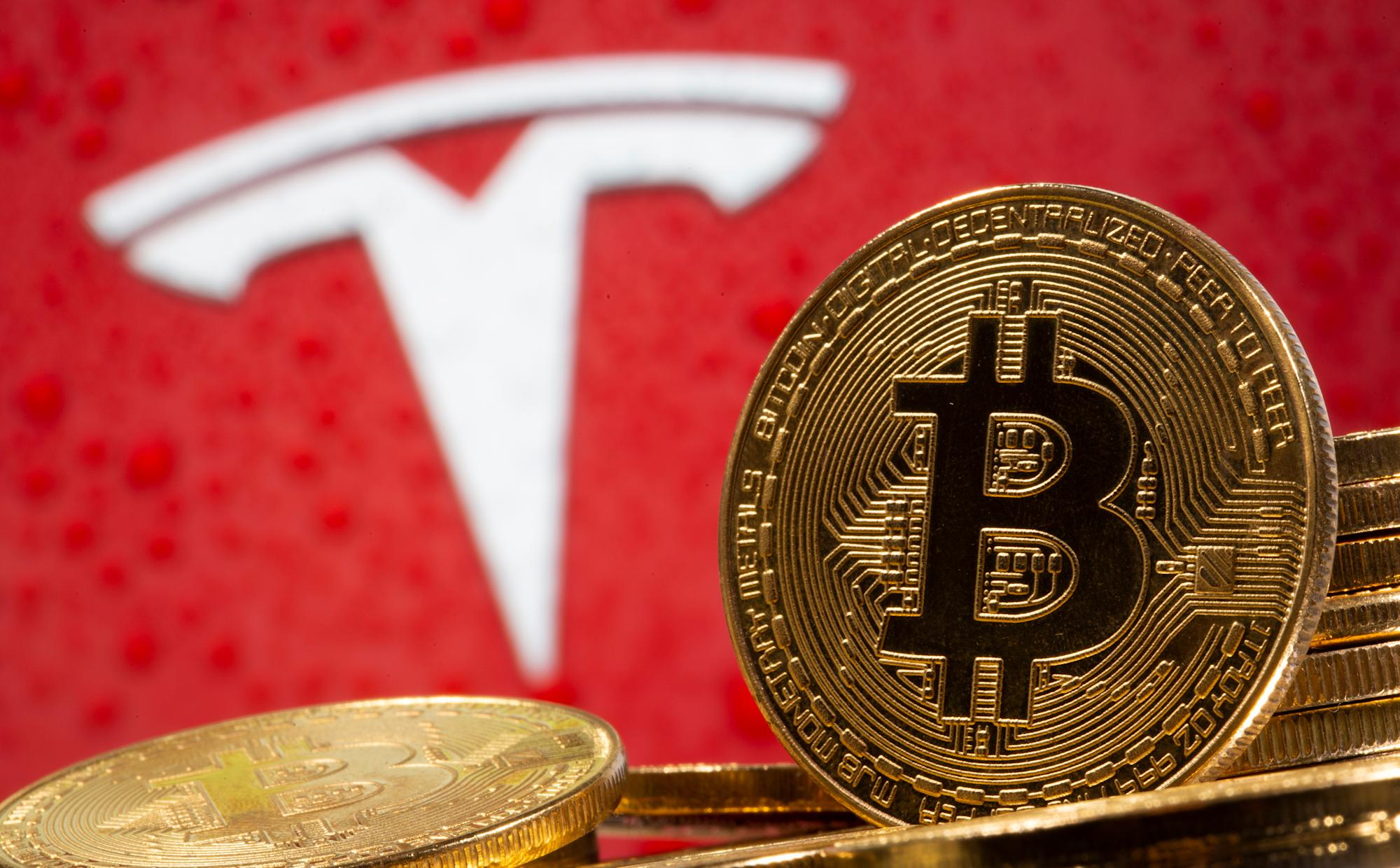 Musk says Tesla will likely accept bitcoin again in climate backtrack - Yahoo Finance