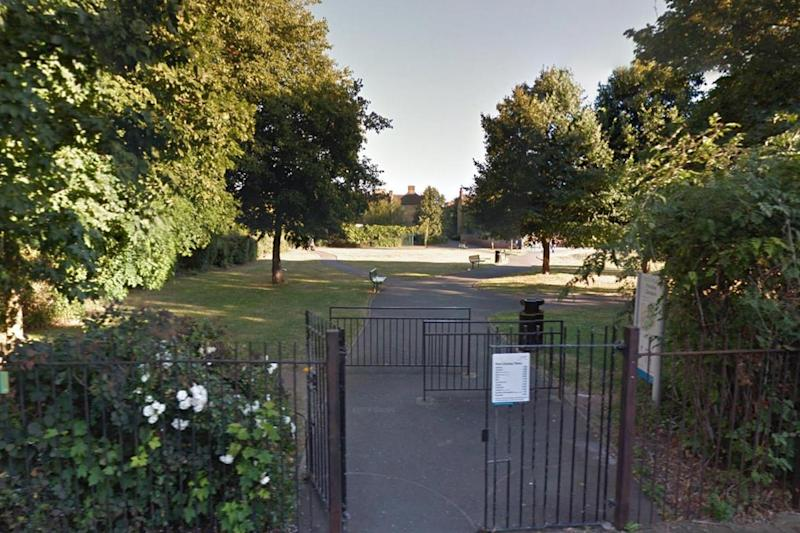Faraday Gardens: the shaft could be built on public basketball courts: Google Streetview