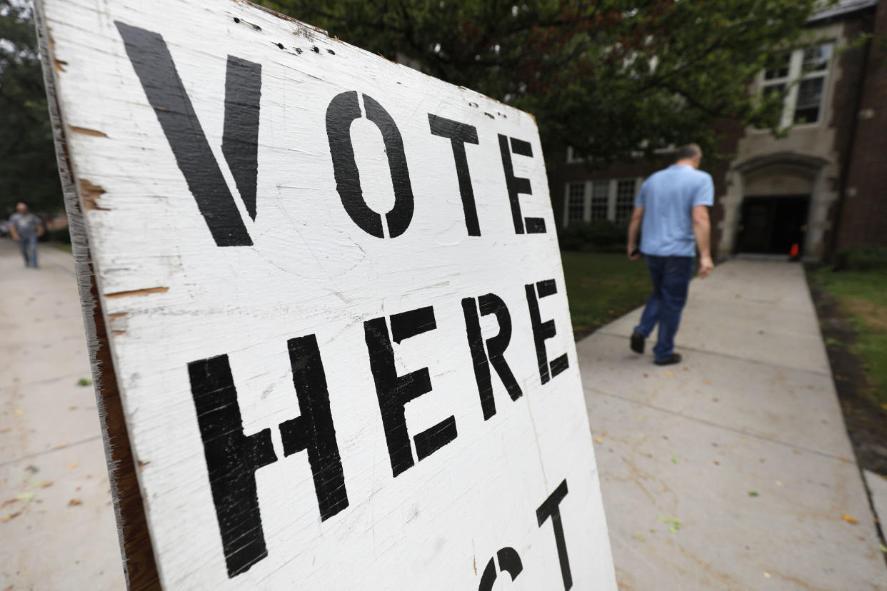 People enter a voting precinct to vote in the Michigan primary at Robert Trombly Elementary School on Aug. 7, 2018, in Grosse Pointe Park, Mich. Michigan could be a bellwether of how the rest of the country may vote in November. (Photo: Bill Pugliano/Getty Images)