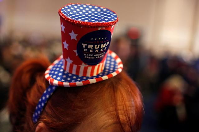 <p>Suzzanne Monk wears a hat supporting U.S. President Donald Trump at the Conservative Political Action Conference (CPAC) at National Harbor, Md., Feb. 23, 2018. (Photo: Kevin Lamarque/Reuters) </p>