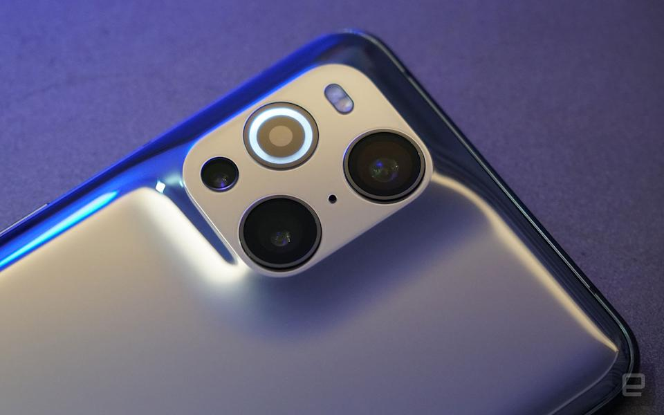 <p>Oppo Find X3 Pro hands-on</p>