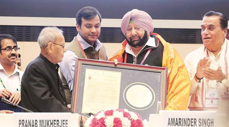 amarinder singh, capt amarinder singh, punjab cm, ideal cm award, amarinder singh honoured, Punjab news, indian express