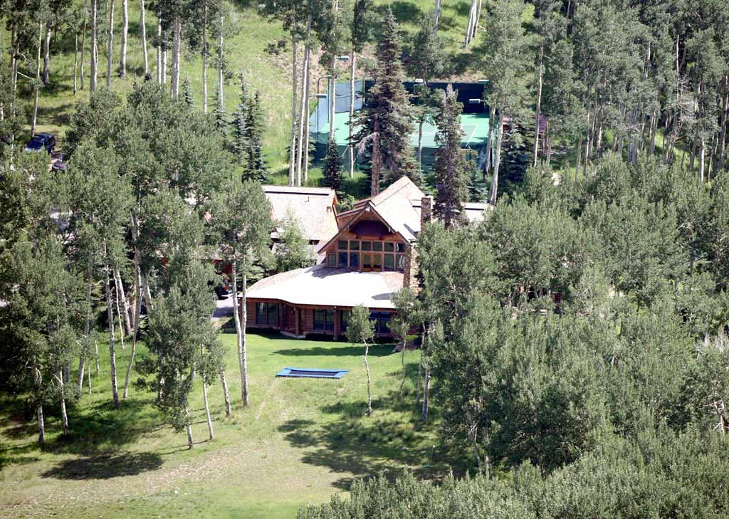 """Where do Posh and Becks go to get away? They simply visit pal Tom Cruise's mountaintop retreat. The compound, located in Telluride, Colorado, comes complete with tennis courts, a spa, and a $10 million bunker in case of an alien invasion. <a href=""""http://www.x17online.com"""" target=""""new"""">X17 Online</a> - July 5, 2008"""