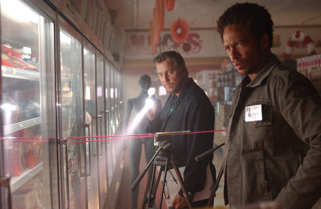 """Grissom and Warrick (Gary Dourdan) are called to investigate multiple homicides in the wake of a grocery store robbery gone awry. (""""Paper or Plastic"""" 2/12/2004, Season 4)"""