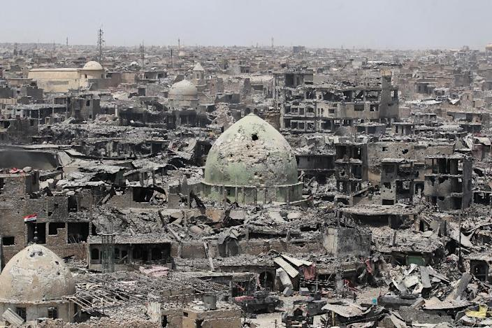 A picture taken on July 09, 2017 shows massive destruction in Mosul's Old City (AFP Photo/AHMAD AL-RUBAYE)