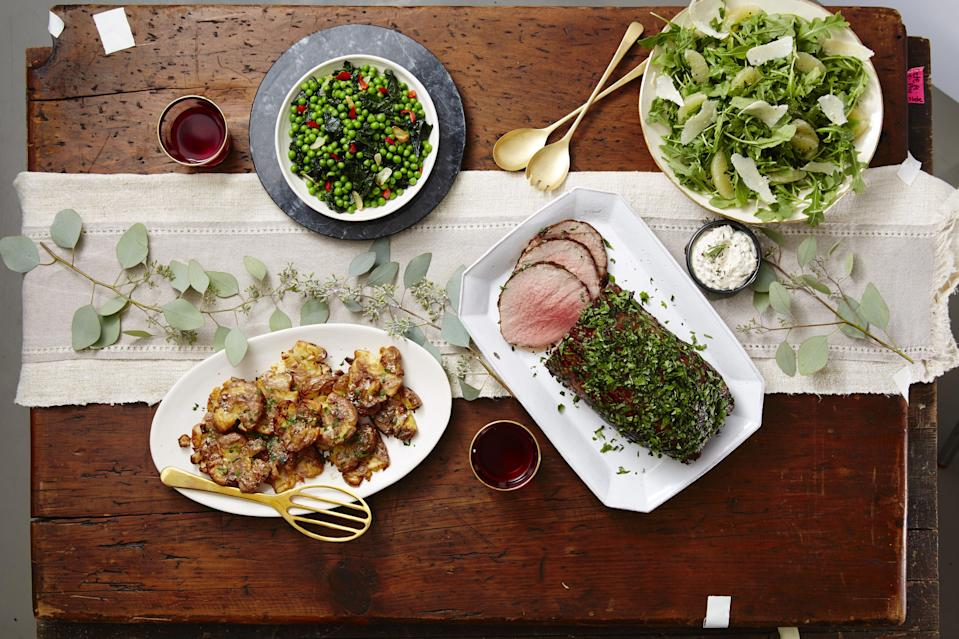 """<p>'Tis the season to bring out the big holiday roasts! While you can never go wrong with a turkey or a traditional <a href=""""https://www.goodhousekeeping.com/holidays/christmas-ideas/g4019/best-christmas-hams/"""" rel=""""nofollow noopener"""" target=""""_blank"""" data-ylk=""""slk:Christmas ham"""" class=""""link rapid-noclick-resp"""">Christmas ham</a>, we say there's nothing more festive — or more fitting for a special occasion — than a delicious prime rib dinner. Of course, a dish this special will require some equally tasty sides — and luckily for you, why we've rounded up the best side dishes for prime rib right here. </p><p>Whether you're partial to the classic mashed potatoes or want to keep it light with some healthy <a href=""""https://www.goodhousekeeping.com/holidays/christmas-ideas/g4024/christmas-salads/"""" rel=""""nofollow noopener"""" target=""""_blank"""" data-ylk=""""slk:Christmas salads"""" class=""""link rapid-noclick-resp"""">Christmas salads</a>, these easy <a href=""""https://www.goodhousekeeping.com/holidays/christmas-ideas/g4021/christmas-side-dishes/"""" rel=""""nofollow noopener"""" target=""""_blank"""" data-ylk=""""slk:Christmas side dishes"""" class=""""link rapid-noclick-resp"""">Christmas side dishes </a>will pair perfectly — and will definitely have the whole family coming 'round for seconds. There's also something on the table for everyone, including options for gluten-free, dairy-free and <a href=""""https://www.goodhousekeeping.com/holidays/christmas-ideas/g4045/vegetarian-christmas-dinner/"""" rel=""""nofollow noopener"""" target=""""_blank"""" data-ylk=""""slk:vegetarian Christmas recipes"""" class=""""link rapid-noclick-resp"""">vegetarian Christmas recipes</a>. Plus, we're sharing a few fun twists on traditional sides (like a creamed spinach made with cheese and kale) in case you want to mix things up this year. Go ahead, take a look and finalize your Christmas dinner menu, so you can switch gears and finally start thinking about all the festive <a href=""""https://www.goodhousekeeping.com/holidays/christmas-ideas/g4018/christmas-treats/"""" rel="""