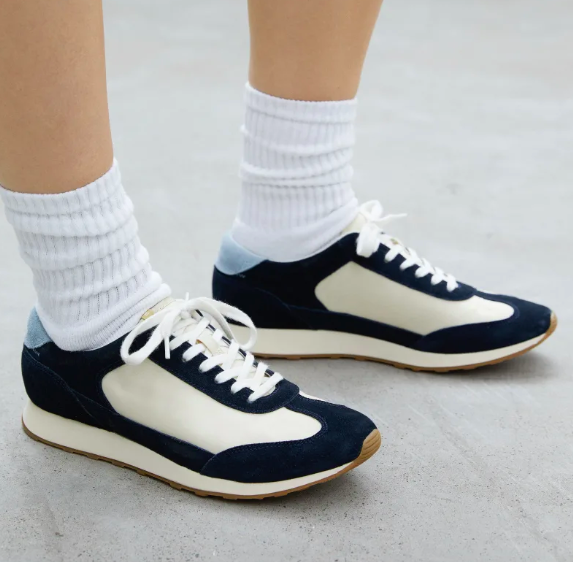The Tread Runner in Navy. Image via Everlane.