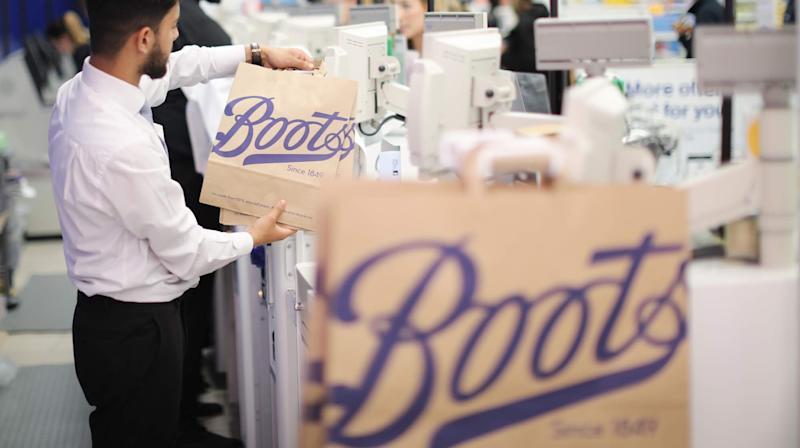 Boots to scrap plastic bags in all stores by early 2020