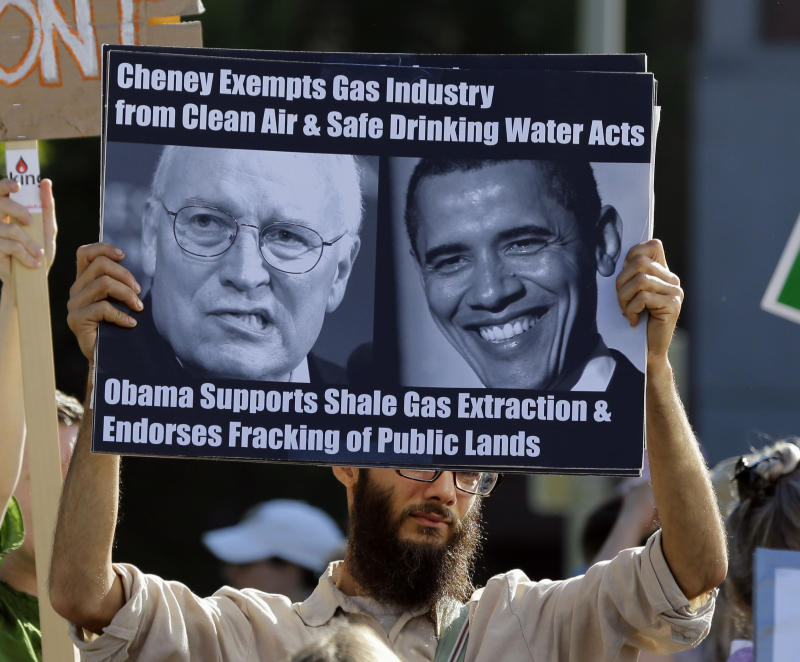 Pro-, anti-fracking sides turn out in NY for Obama