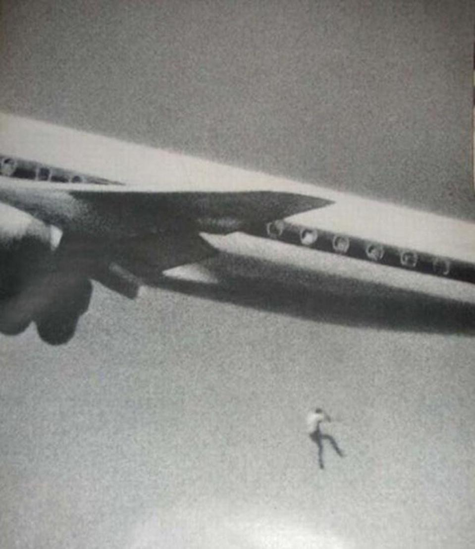 Keith Sapsford fell from a Tokyo-bound Japan Air flight in 1970 after sneaking into the plane's undercarriage. Source: John Gilpin via Reddit