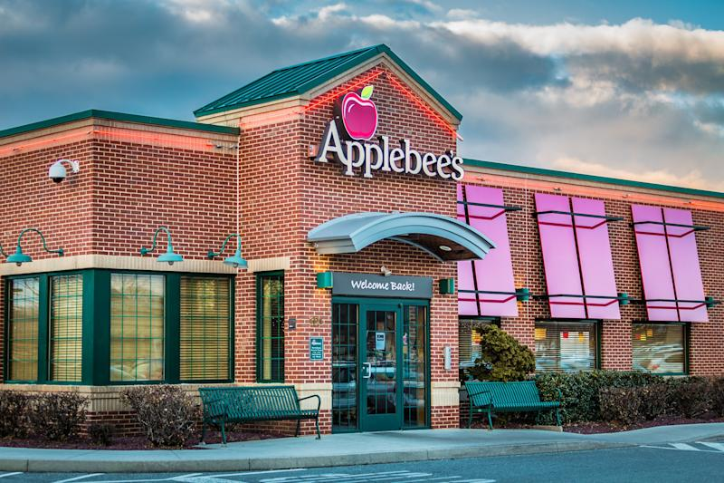 You'll Soon Be Able to Reserve Tables at Applebee's, Olive Garden, and Other Major Chains Through OpenTable