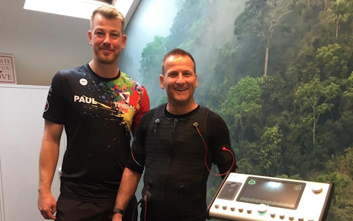 Nick Harding (R) did a 12-week course with Paul Roberts (L)