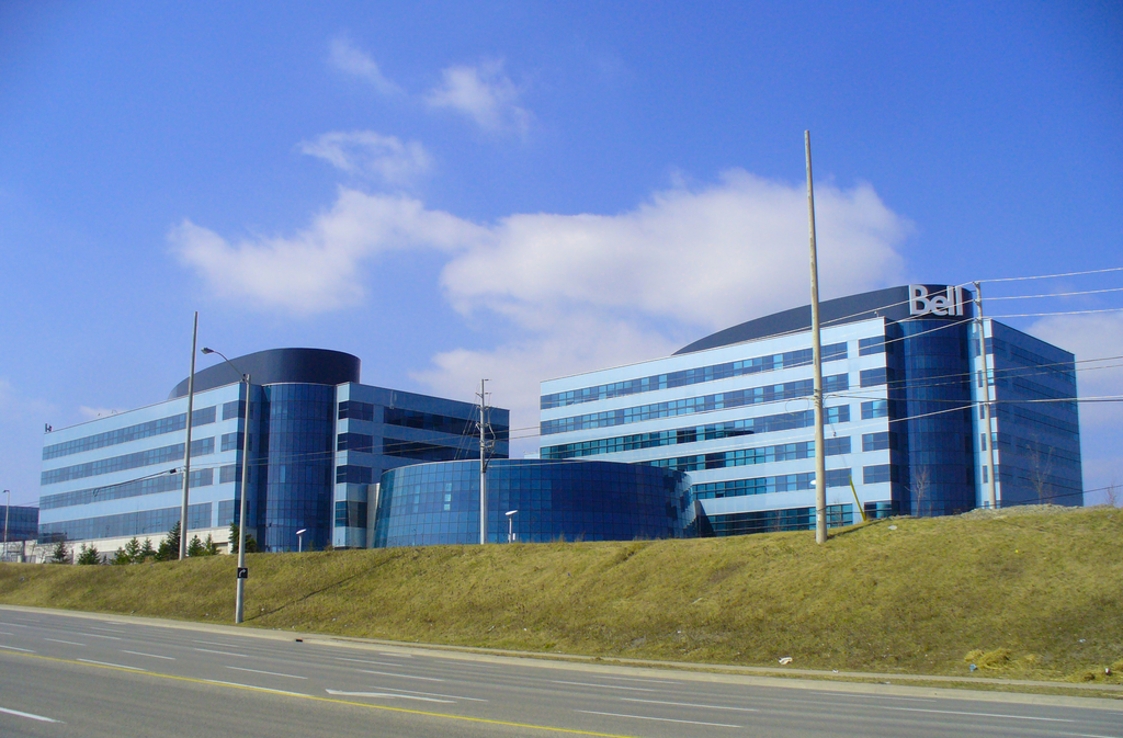 <p>No. 7: Bell Mobility<br />Rating: 723<br />(Zlatko / Wikimedia Commons) </p>