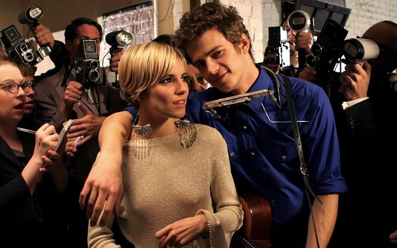 Sienna Miller earned rave reviews as Edie Sedgwick in 'Factory Girl' starring alongside Hayden Christensen (Credit: MGM/Paramount)