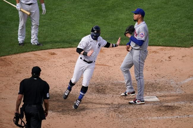 Yankees edge Mets 2-1 to avert longest slide in 25 years