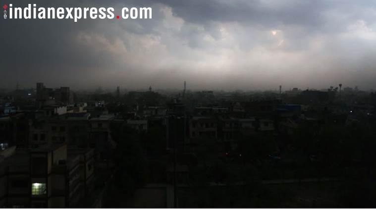 IMD warns of thunderstorm tonight