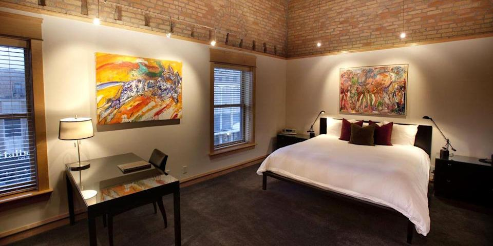 """<p>Located in Fargo, the <a href=""""https://go.redirectingat.com?id=74968X1596630&url=https%3A%2F%2Fwww.tripadvisor.com%2FHotel_Review-g49785-d300629-Reviews-The_Hotel_Donaldson-Fargo_North_Dakota.html&sref=https%3A%2F%2Fwww.redbookmag.com%2Fabout%2Fg34149750%2Fmost-historic-hotels%2F"""" rel=""""nofollow noopener"""" target=""""_blank"""" data-ylk=""""slk:Hotel Donaldson"""" class=""""link rapid-noclick-resp"""">Hotel Donaldson</a> was built in 1893, and though the building has been through ups and downs, it underwent a three-year renovation process in 2003, which returned it to its former glory. Now you'll find modern interiors, a trendy restaurant, and local artist exhibitions.</p>"""