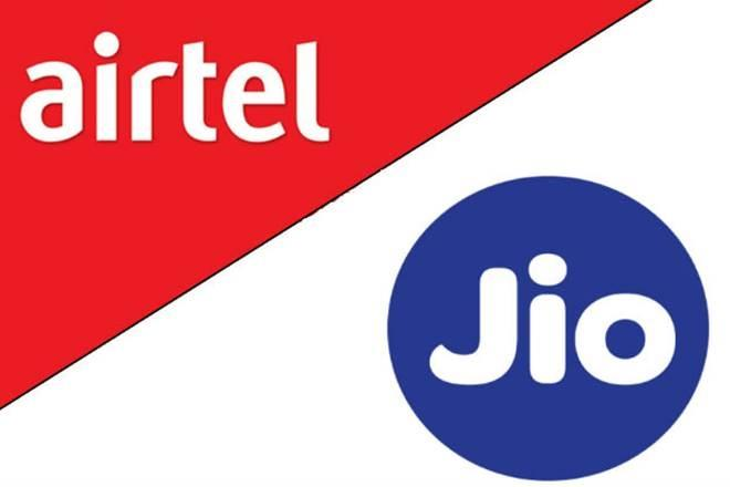Reliance Jio vs Airtel vs Vodafone Prepaid Recharge Plans: As the competition in the Indian telecom sector heats up, service providers are launching new plans almost on a daily basis. Airtel, Vodafone and Reliance Jio have come up with a number of offers i a bid to retain their customer base and gain new ones. […]