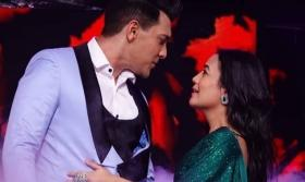 'Bs Shaadi ki der hai': Fans can't keep calm over Neha Kakkar, Aditya Narayan's wedding