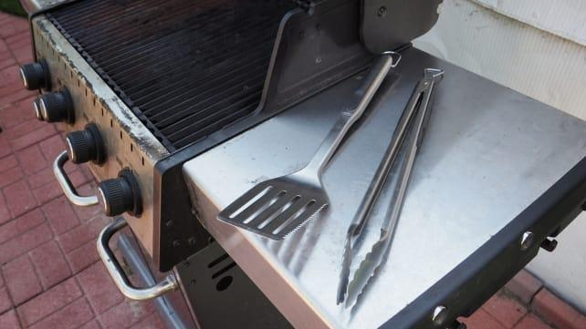 Best gifts for dads: Grilling Tongs