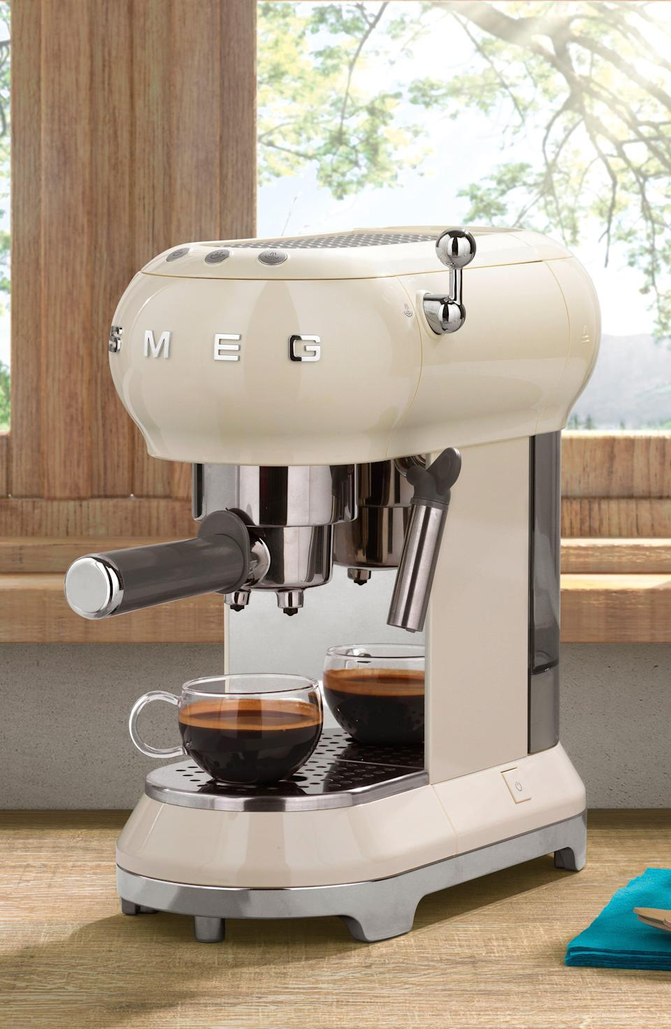"""<p><strong>SMEG</strong></p><p>nordstrom.com</p><p><strong>$367.46</strong></p><p><a href=""""https://go.redirectingat.com?id=74968X1596630&url=https%3A%2F%2Fwww.nordstrom.com%2Fs%2Fsmeg-50s-retro-style-espresso-coffee-machine%2F4748586&sref=https%3A%2F%2Fwww.delish.com%2Fholiday-recipes%2Fchristmas%2Fg3132%2Fgift-coffee-obsessed%2F"""" rel=""""nofollow noopener"""" target=""""_blank"""" data-ylk=""""slk:BUY NOW"""" class=""""link rapid-noclick-resp"""">BUY NOW</a></p><p>This gorgeous, retro coffee machine will look amazing in any kitchen.</p>"""