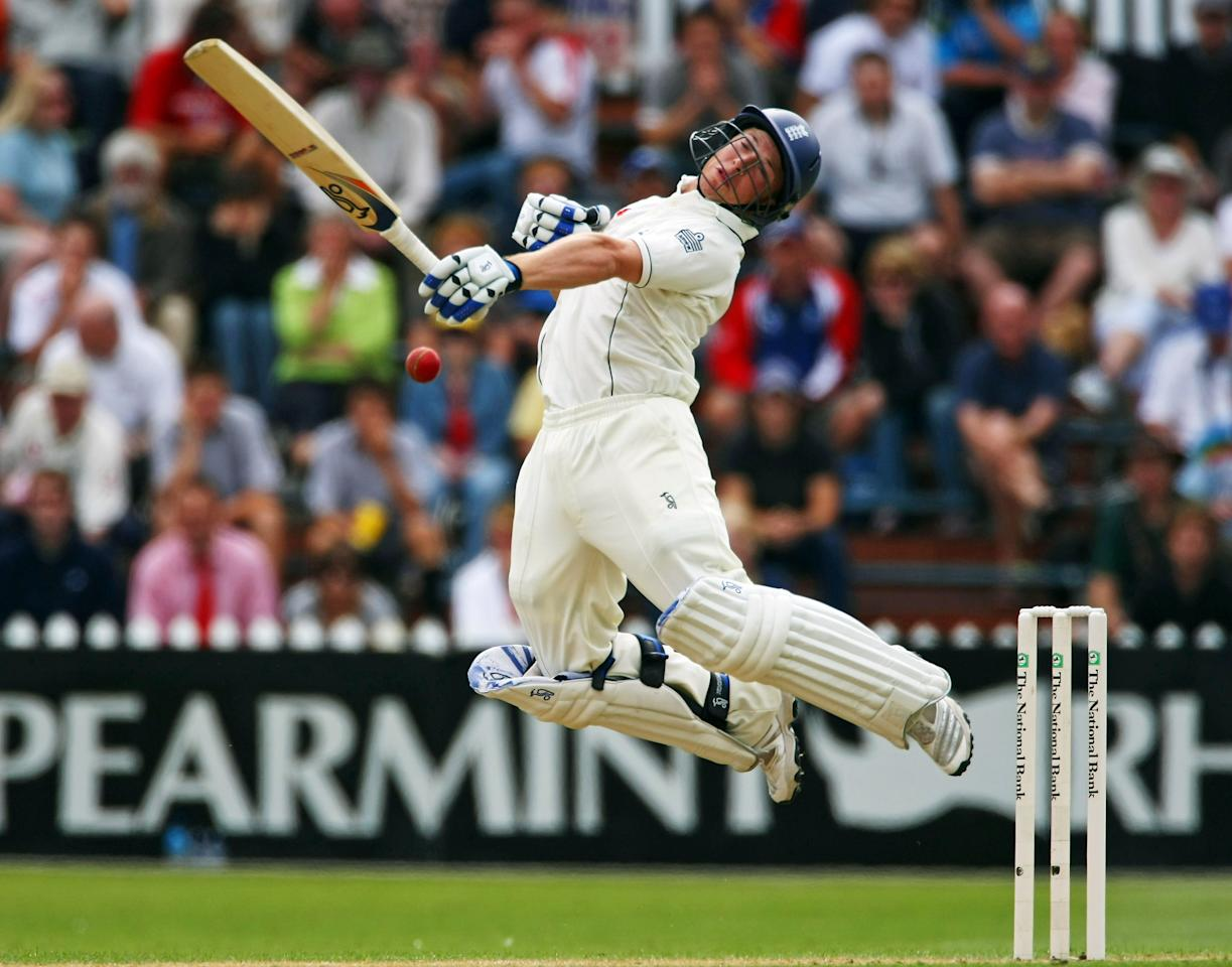 WELLINGTON, NEW ZEALAND - MARCH 13:  Tim Ambrose of England attempts to avoid a bouncer during day one of the Second Test match between New Zealand and England at the Basin Reserve on March 13, 2008 in Wellington, New Zealand.  (Photo by Clive Rose/Getty Images)