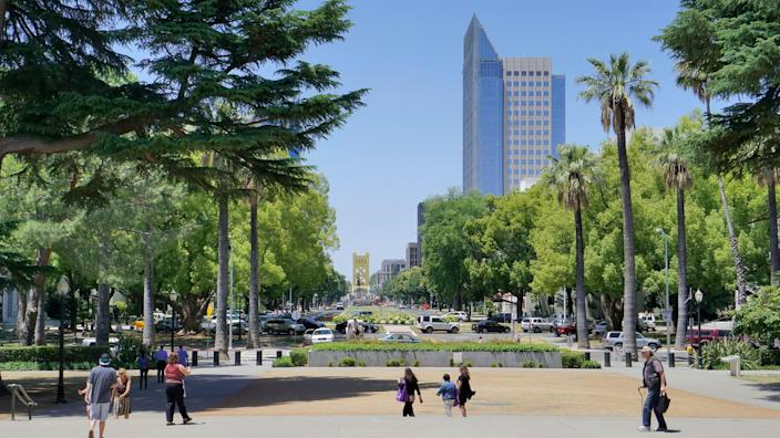 People in the busy downtown of Sacramento California.