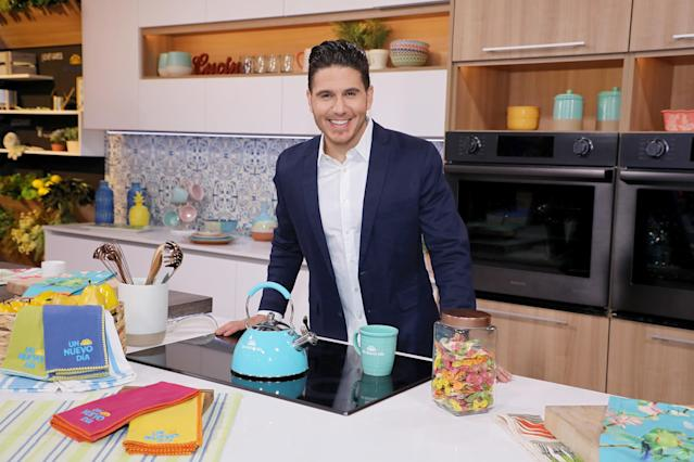 Chef James on the new set of 'Un Nuevo Dia' at Telemundo Center on May 21, 2018 in Doral, Florida. (Getty Images)