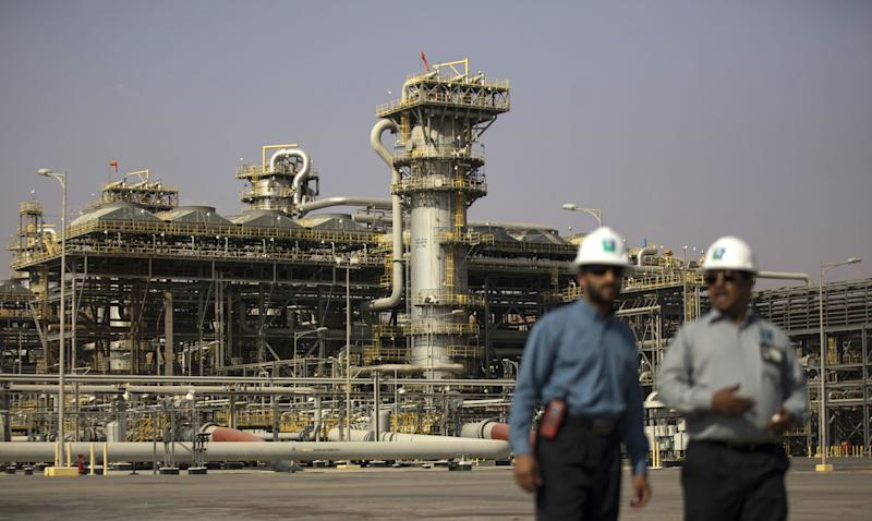 Saudi AramcoWeighs Staggering Payments for Sabic Deal