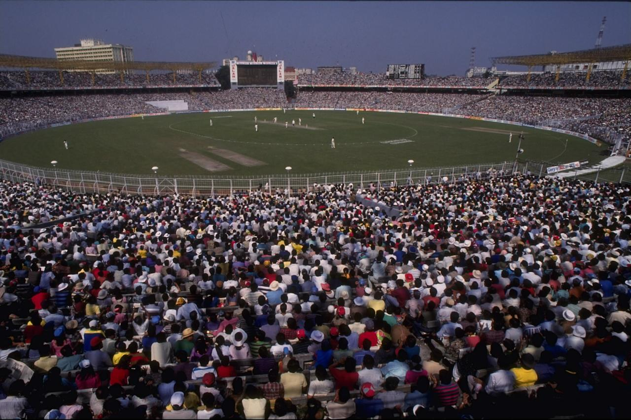 10 Nov 1991:  General view of the 1st one day International between India and South Africa at Calcutta watched by a record 95,000 crowd.