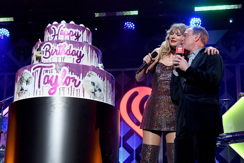 Taylor Swift and Elvis Duran | Dia Dipasupil/Getty Images