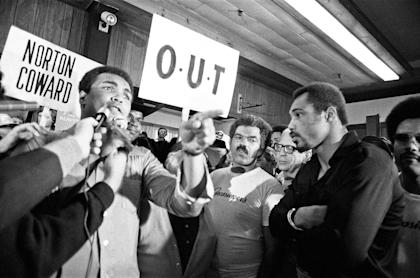 Muhammad Ali tries to wind up Ken Norton ahead of their third fight in New York. (REUTERS)