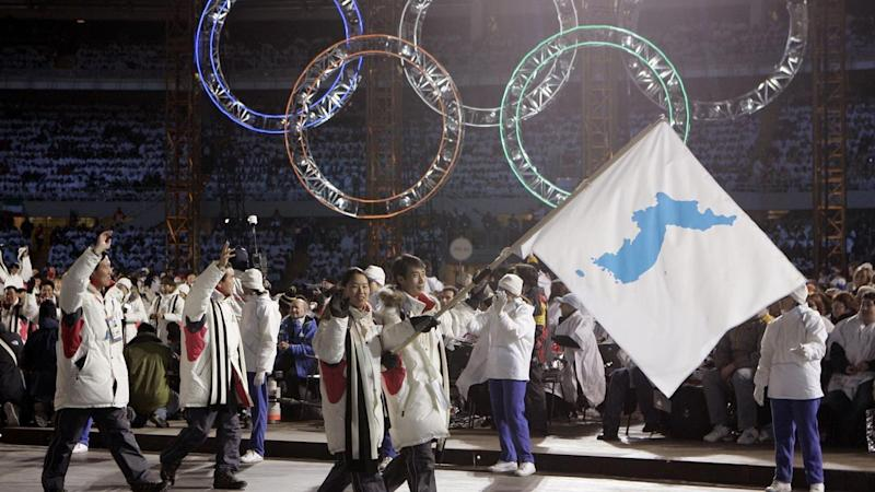 <p>The Korean teams will again walk together at the Winter Olympics as they did in 2006.</p>