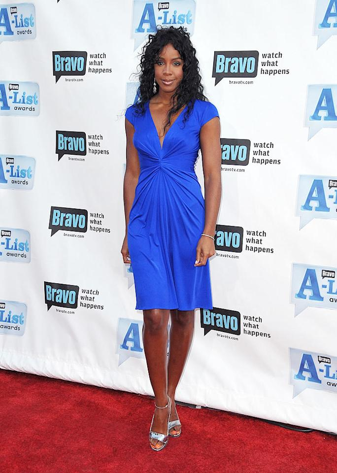"Kelly Rowland may be hosting Bravo's new design competition, ""The Fashion Show,"" but she really needs to go on ""Shear Genius"" and get that bad weave fixed! Jordan Strauss/<a href=""http://www.wireimage.com"" target=""new"">WireImage.com</a> - April 5, 2009"