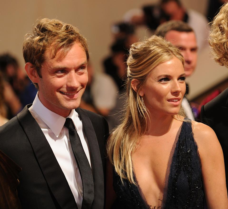 Sienna Miller Says Ex Fiance Jude Law S Nanny Affair Was Really Hard