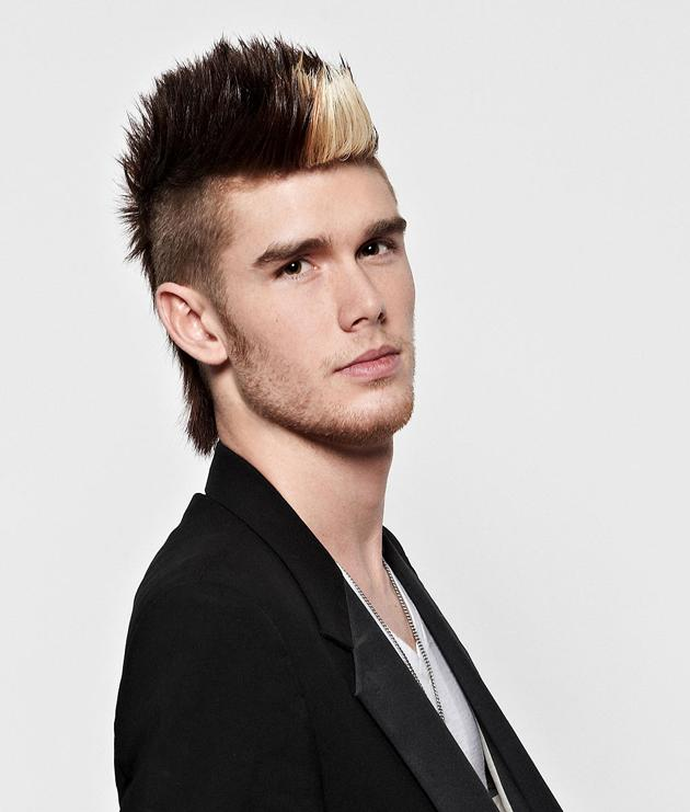 "Colton Dixon<br> Hometown: Murfreesboro, TN<br> Age: 20<br><br>  Fun Facts about Colton:<br>  1. I love to skimboard at the beach.<br>  2. I was an extra in the ""Hannah Montana"" movie.<br>  3. I have a Bobblehead collection."