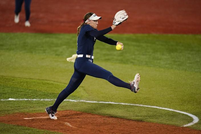 Monica Abbott pitches during a softball game at the Tokyo Olympics.