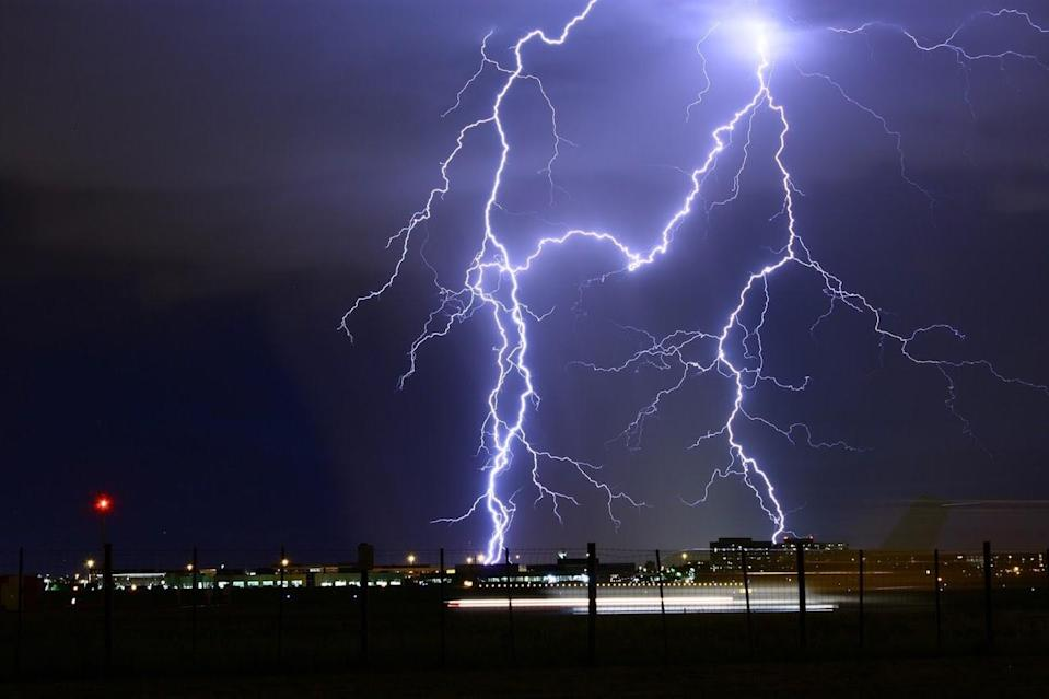 Safety tips to avoid a lightning strike during a thunderstorm