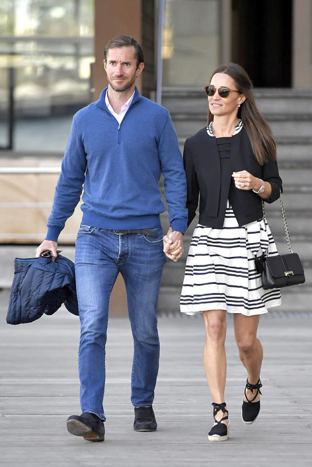 <p>Pippa and her new hubby adjusted to married life while honeymooning in Australia. Of course, Duchess Kate's younger sister was smiling! (Photo: Splash News) </p>